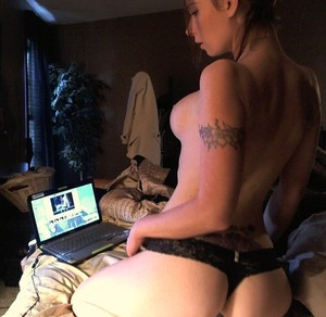 kristen dating webcam online