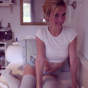 Sandy_Bee adult chat