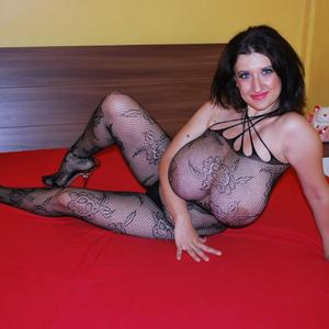 TiffanyMynx adult chat